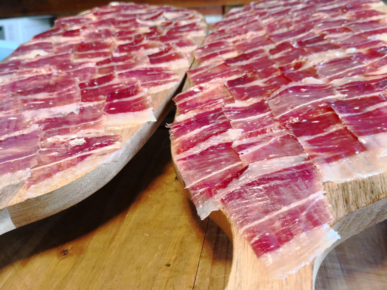 Tabla de Jamón ibérico cortado a cuchillo para buffet