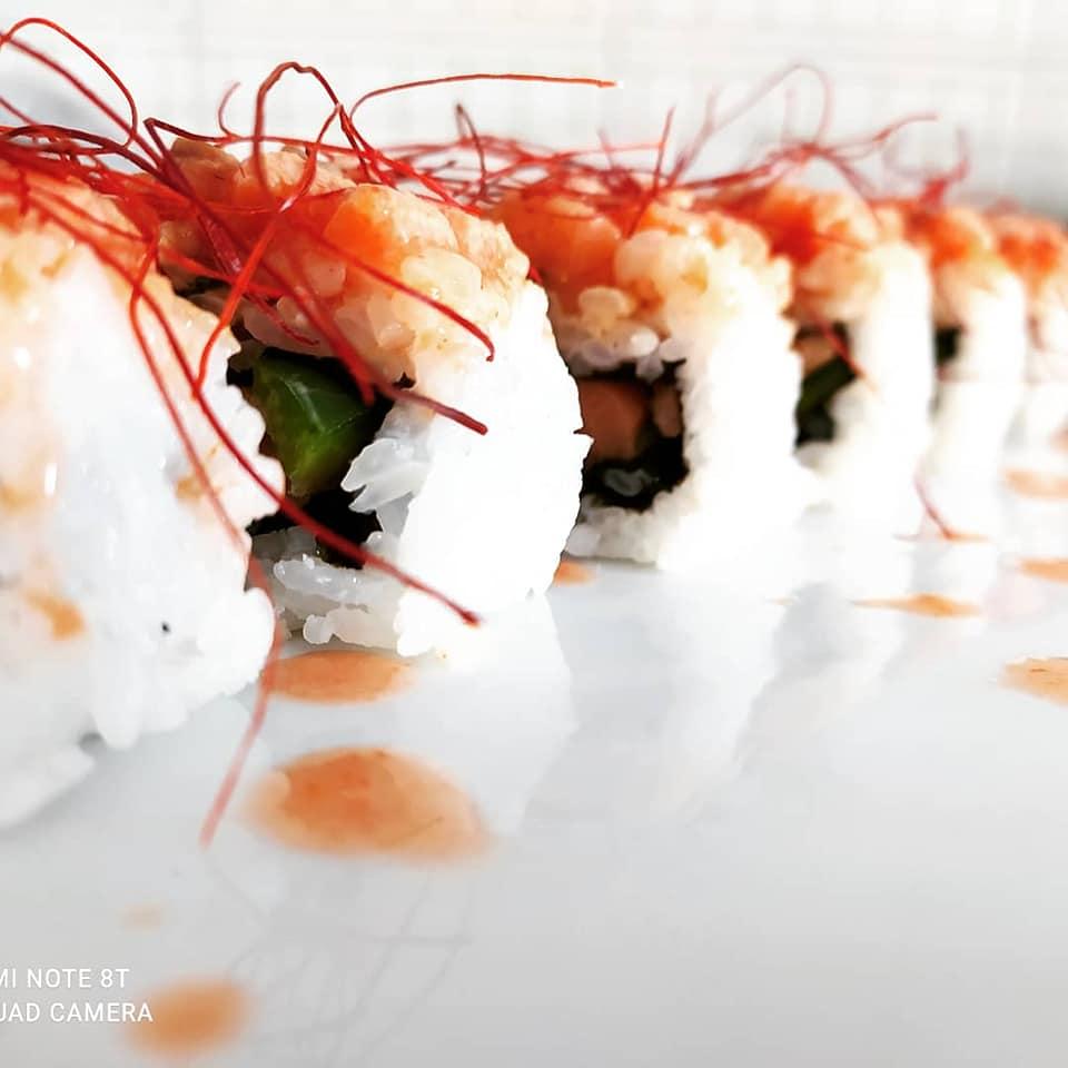 Bandeja de sushi para eventos